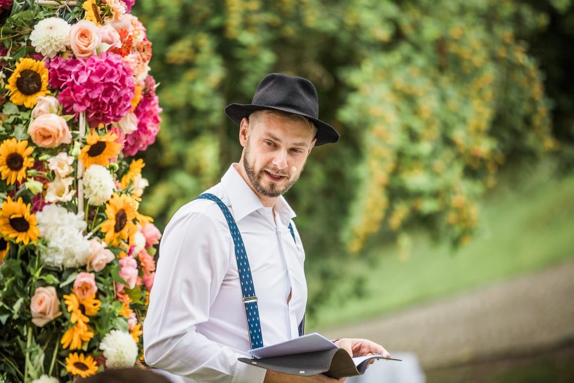 Trauredner auf einer freien Trauung in München