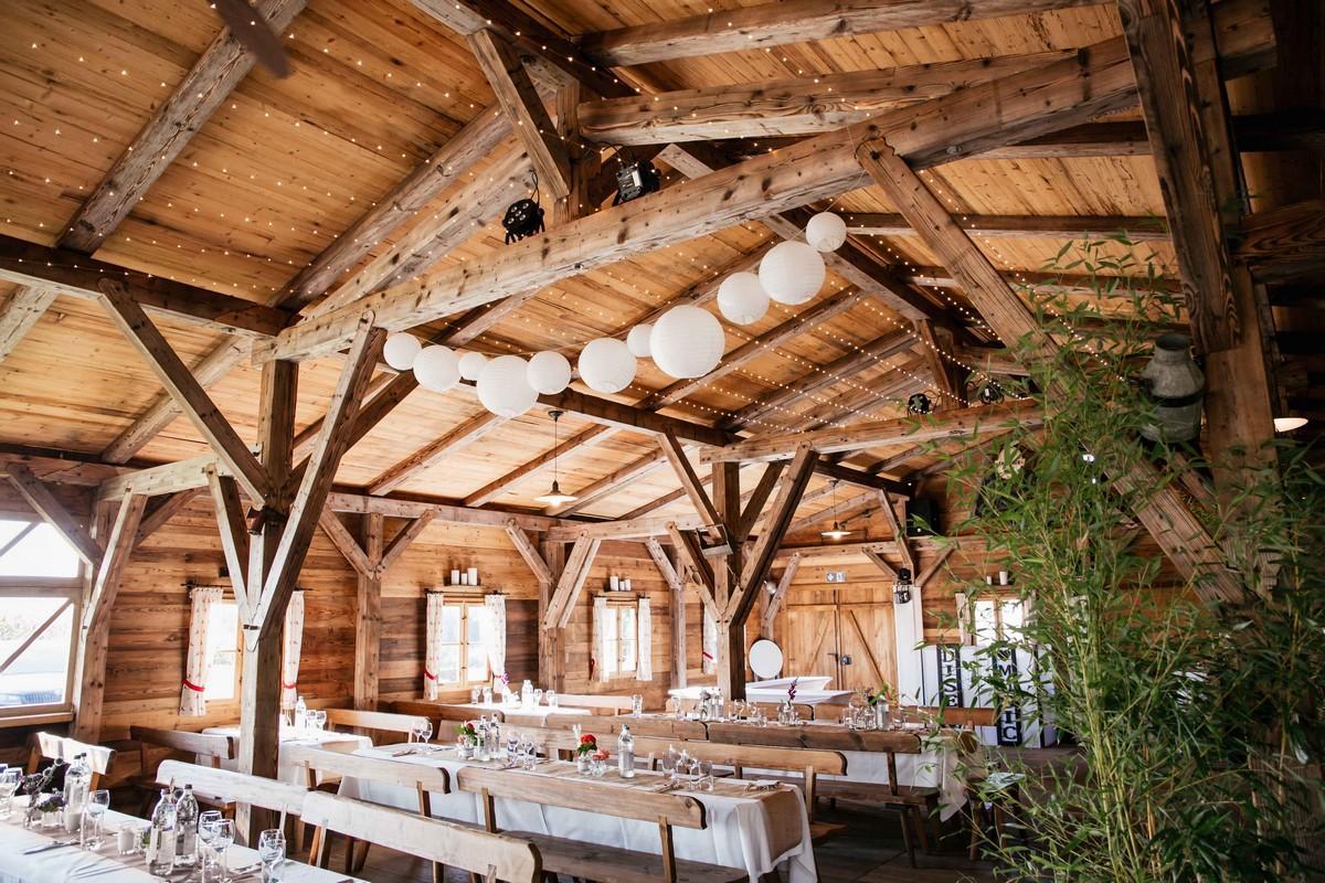 dekoration für Hochzeit im Draustoana Stadl
