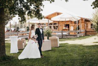 Draustoana Stadl bei einer Hochzeit mit Braupaar