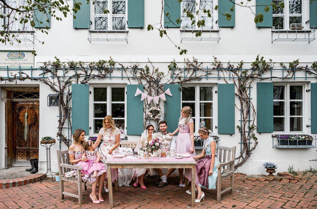 Inspiration für eine Hochzeit in Tracht für die ganze Familie
