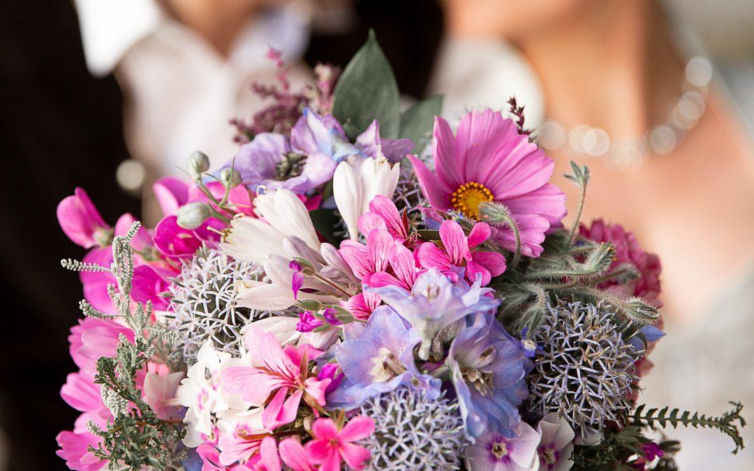 Meisterfloristin Melanie Höhensteiger macht euren Brautstrauß zum Hingucker