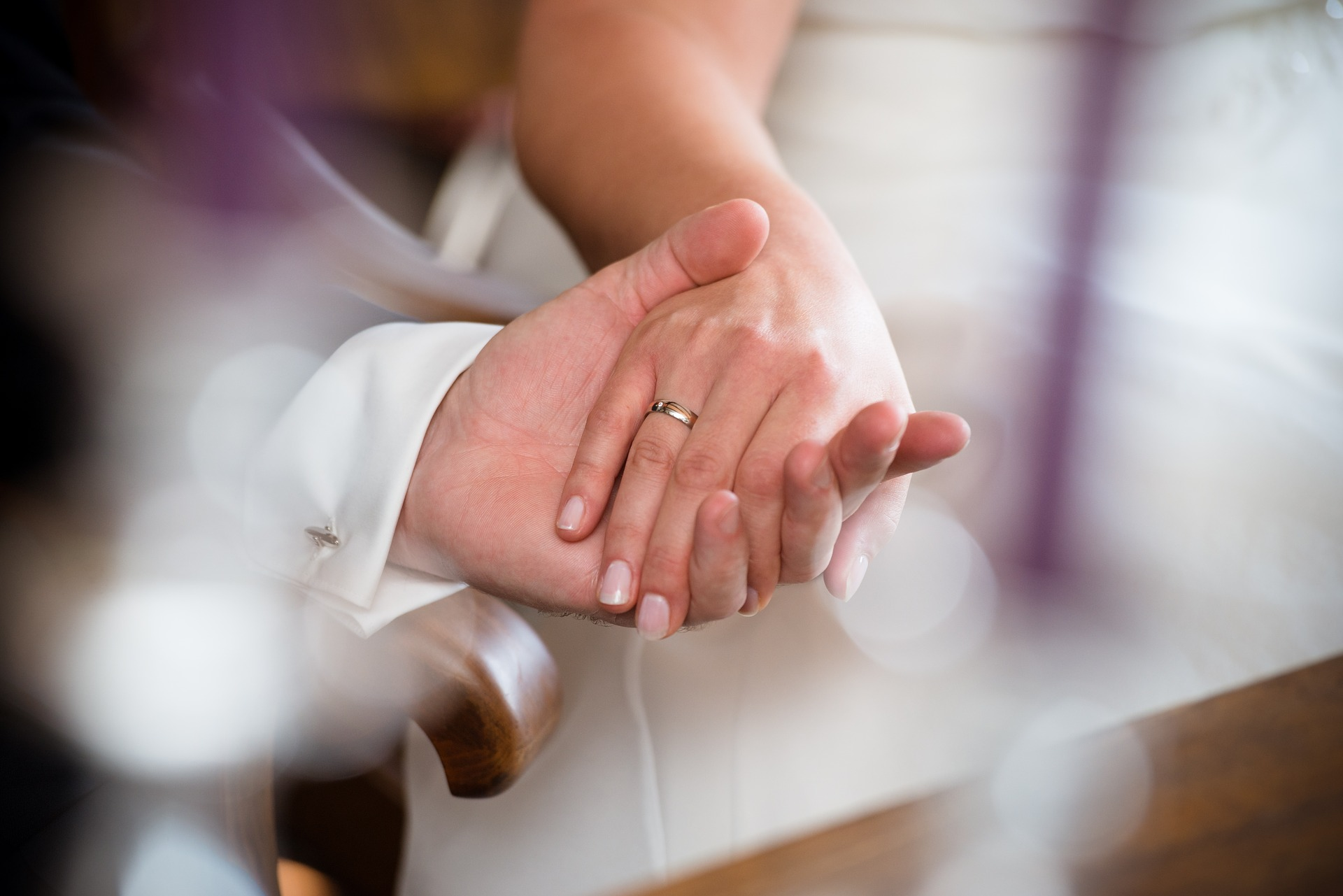 Eheringe bei der standesamtliche Hochzeit Fraueninsel